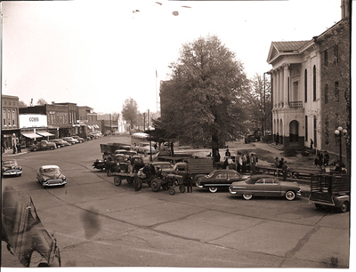 Courthouse, 1949 with additional wings under construction