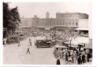 Oxford Square, 1933, on a Saturday